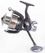 Котушка Bratfishing Fighter 2000 Baitrunner 4 + 1